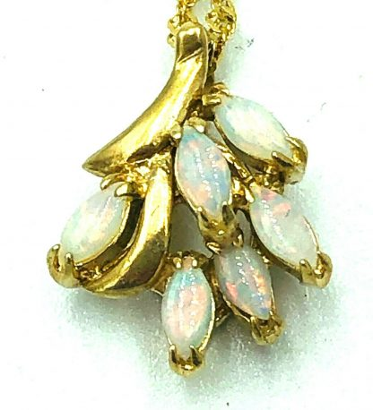 10ct Yellow Gold Opal Pendant & Necklace