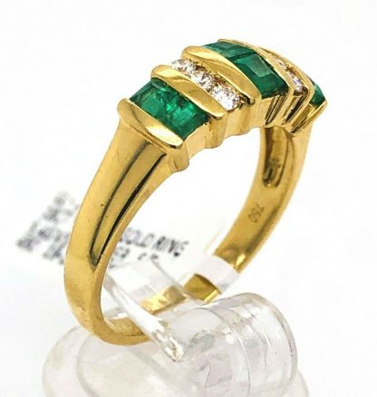 18ct Yellow Gold Natural Emerald & Diamond Ring with Valuation