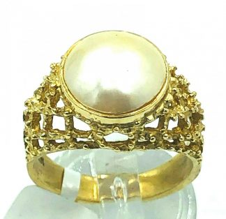 14ct Yellow Gold Mabe Pearl Ring in Fancy Setting