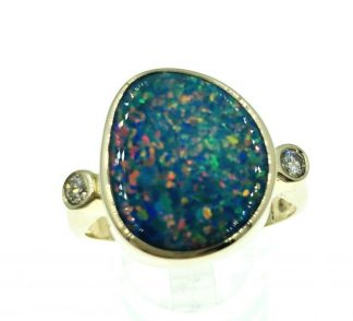 14ct Yellow Gold Opal & Diamond Ring
