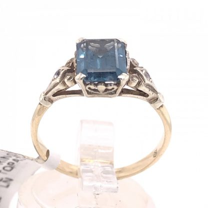 9ct Yellow Gold Blue Topaz Ring
