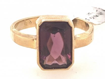 9ct Yellow Gold Purple Stone Ring