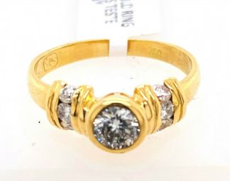 18ct Yellow Gold 7 Diamond Ring with Valuation