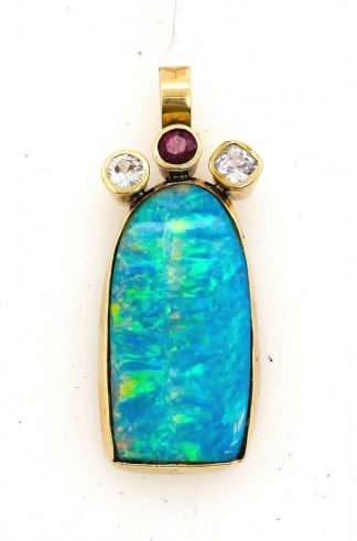 9ct Yellow Gold Opal Pendant with Valuation