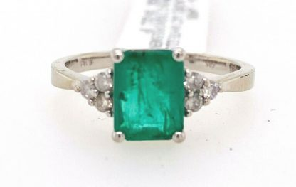 14ct White Gold Emerald & Diamond Ring wit Valuation