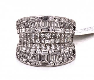 18ct White Gold 156 Diamond Ring with Valuation