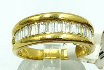 18ct Yellow Gold Diamond Ring With Valuation