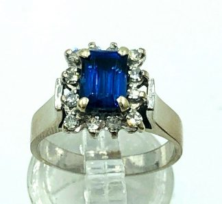 18ct White Gold Blue Sapphire & Diamond Ring with Valuation