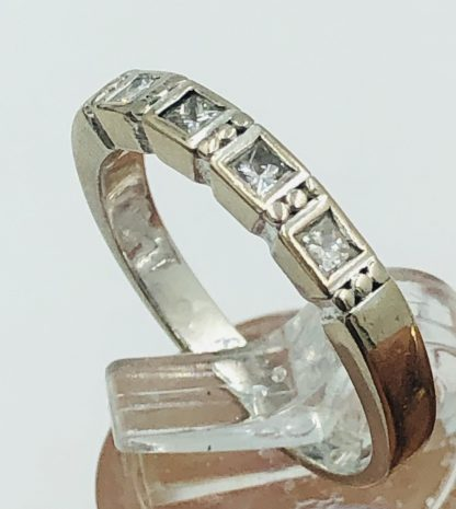 18ct White Gold 4 Diamond Ring